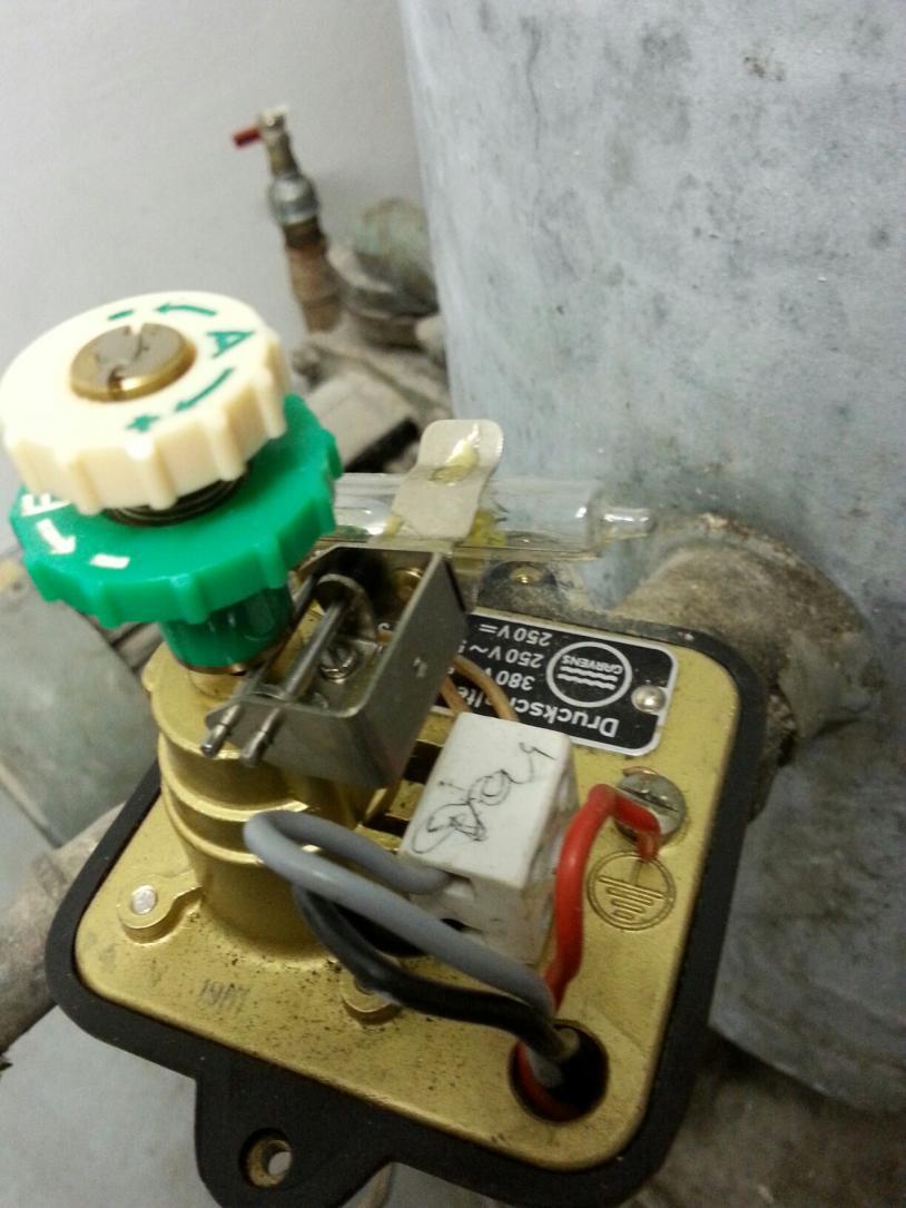 Grundwasserpumpe -> Quecksilber-Druckschalter defekt, Ersatz ...