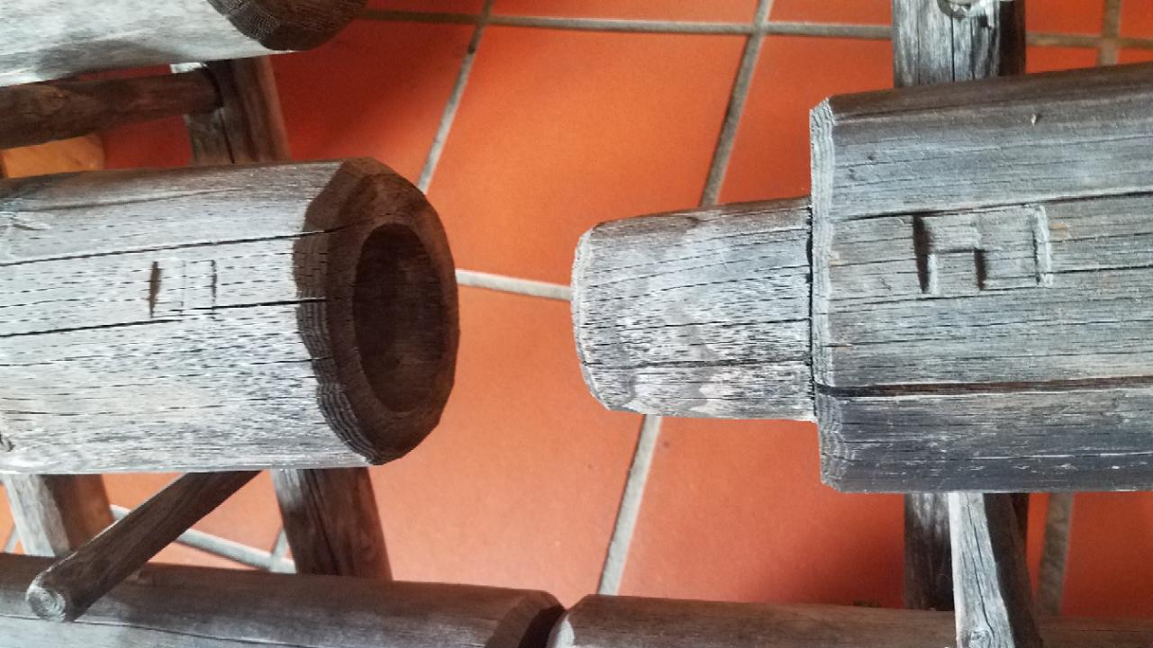 konische Rohrverbindung Holzrohr für alten Wasser Brunnen