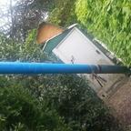 das gezogene Brunnenrohr (11m) vor dem zerlegen
