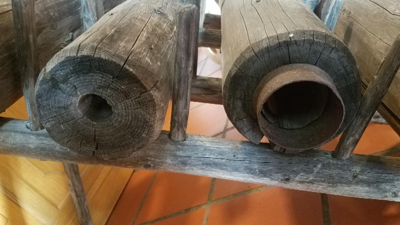 Brunnnen Information zur Steigleitung - Bild Holz