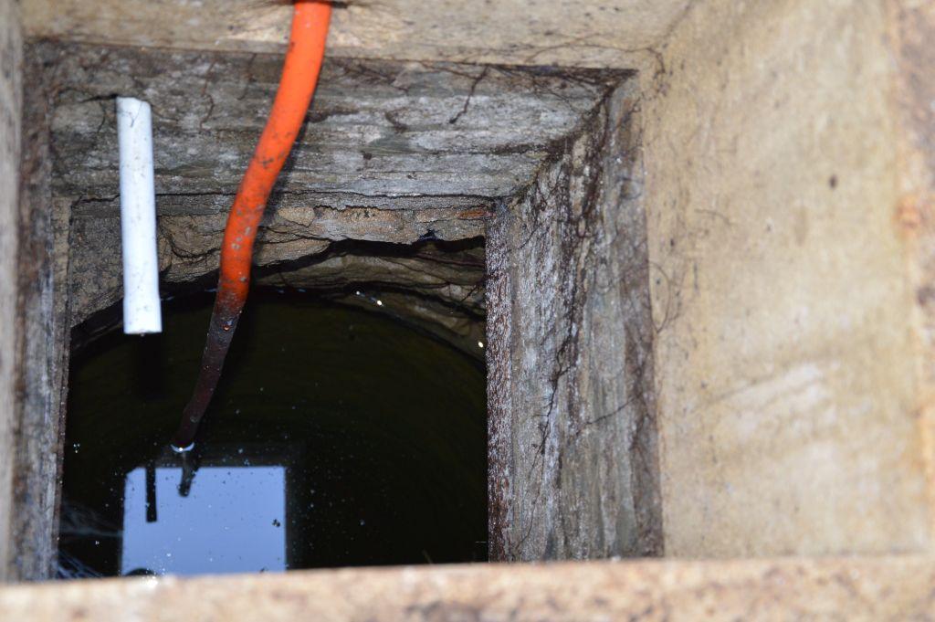 Blick in den Brunnen 1