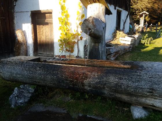 Alter Holzbrunnen