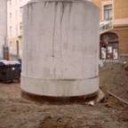SIMG0071  Der Anfänger Durchmeser innen 1,50 m                   Höhe                  2,00 m                     Gewicht        ca.  4,50 t  unten sieht mann den Schneidring
